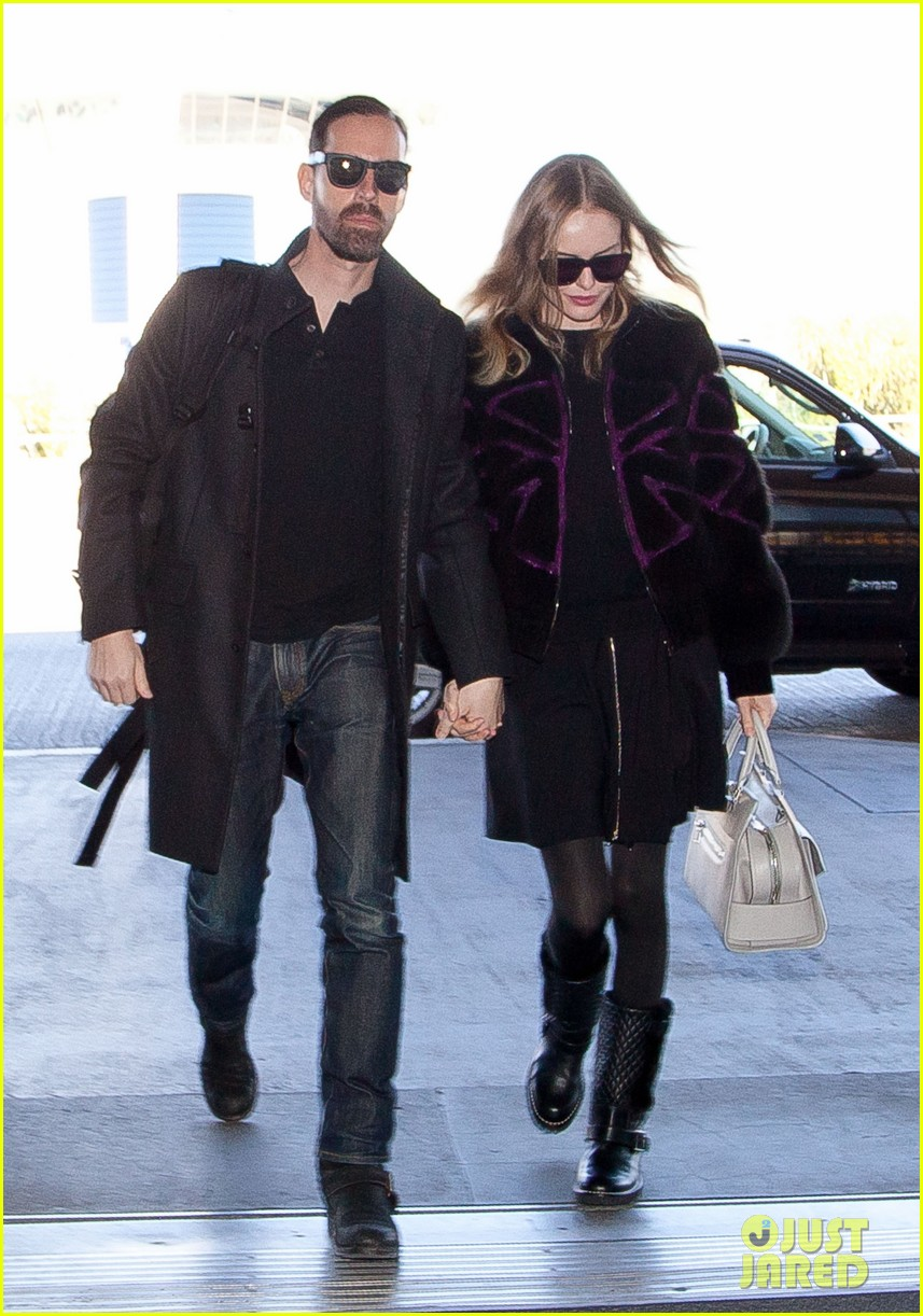 kate bosworth amanda seyfried take off for sundance 012796314