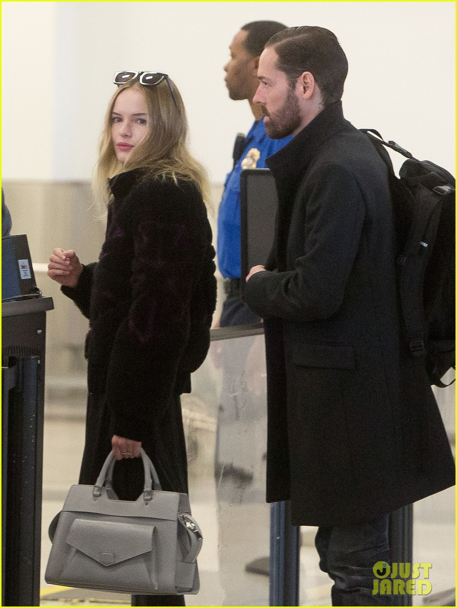 kate bosworth amanda seyfried take off for sundance 022796315