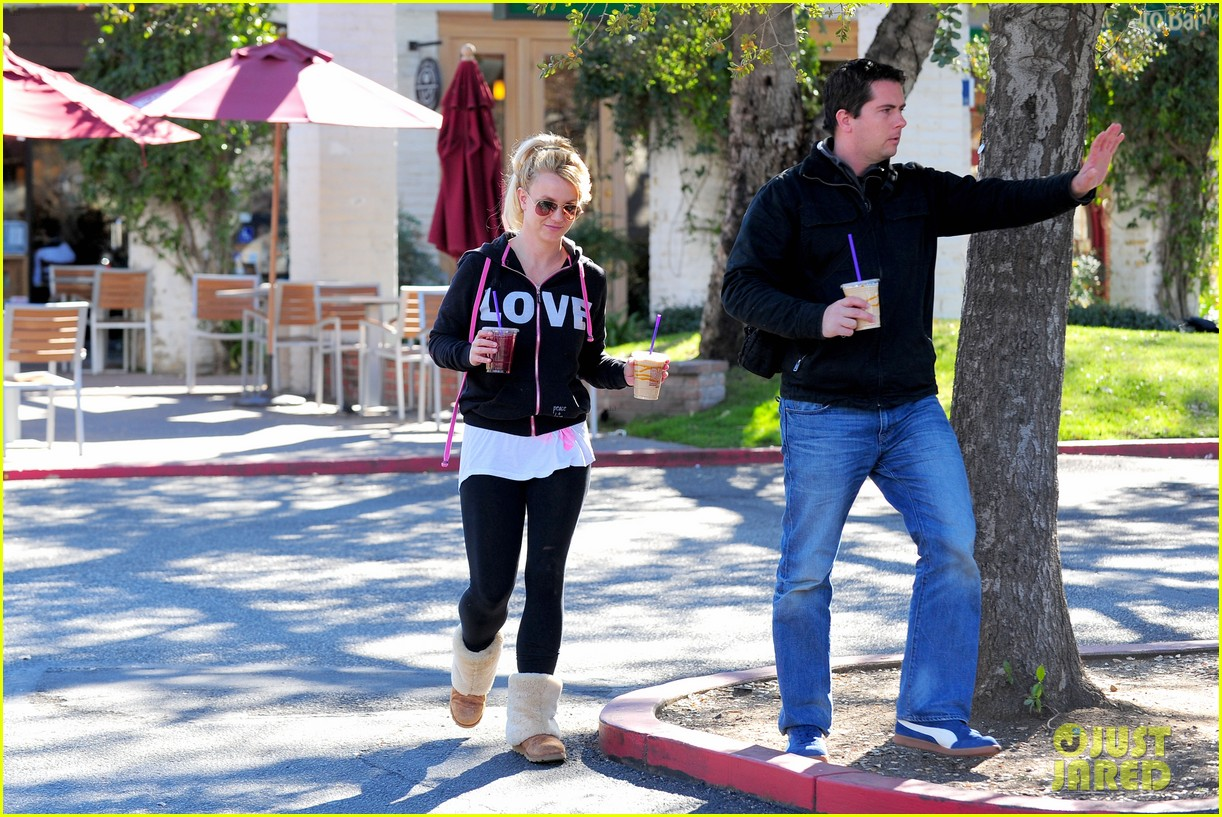 britney spears post split coffee run 02