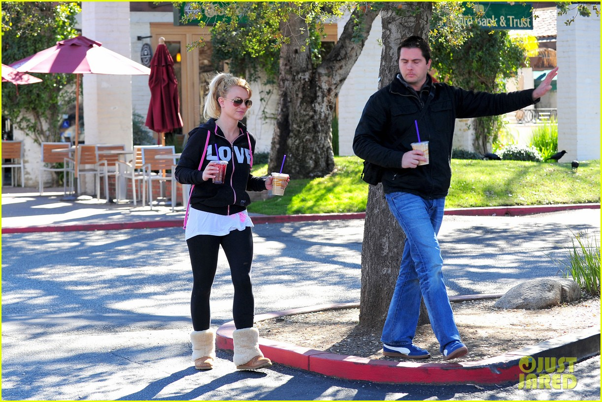 britney spears post split coffee run 18