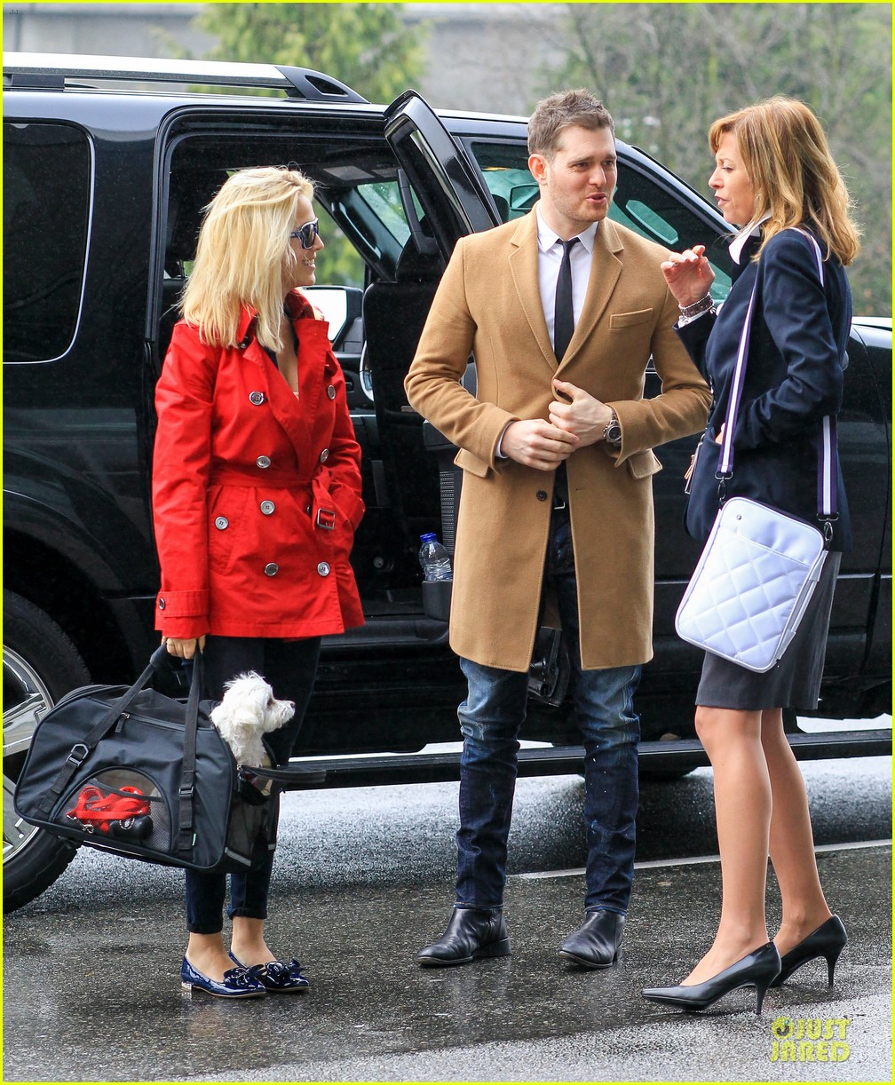michael buble & luisana lopilato yvr airport departure with pet pooch simon 132785053
