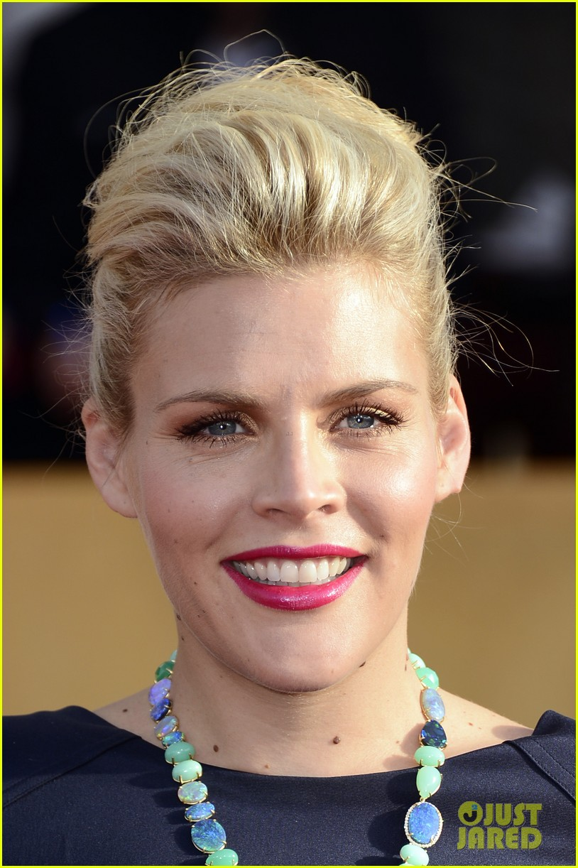busy philipps sag awards 2013 red carpet02