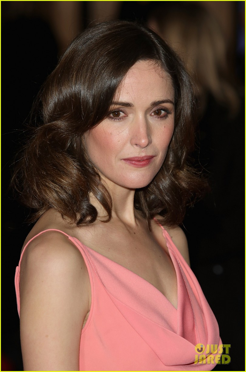 rose byrne i give it a year european premiere 132797993