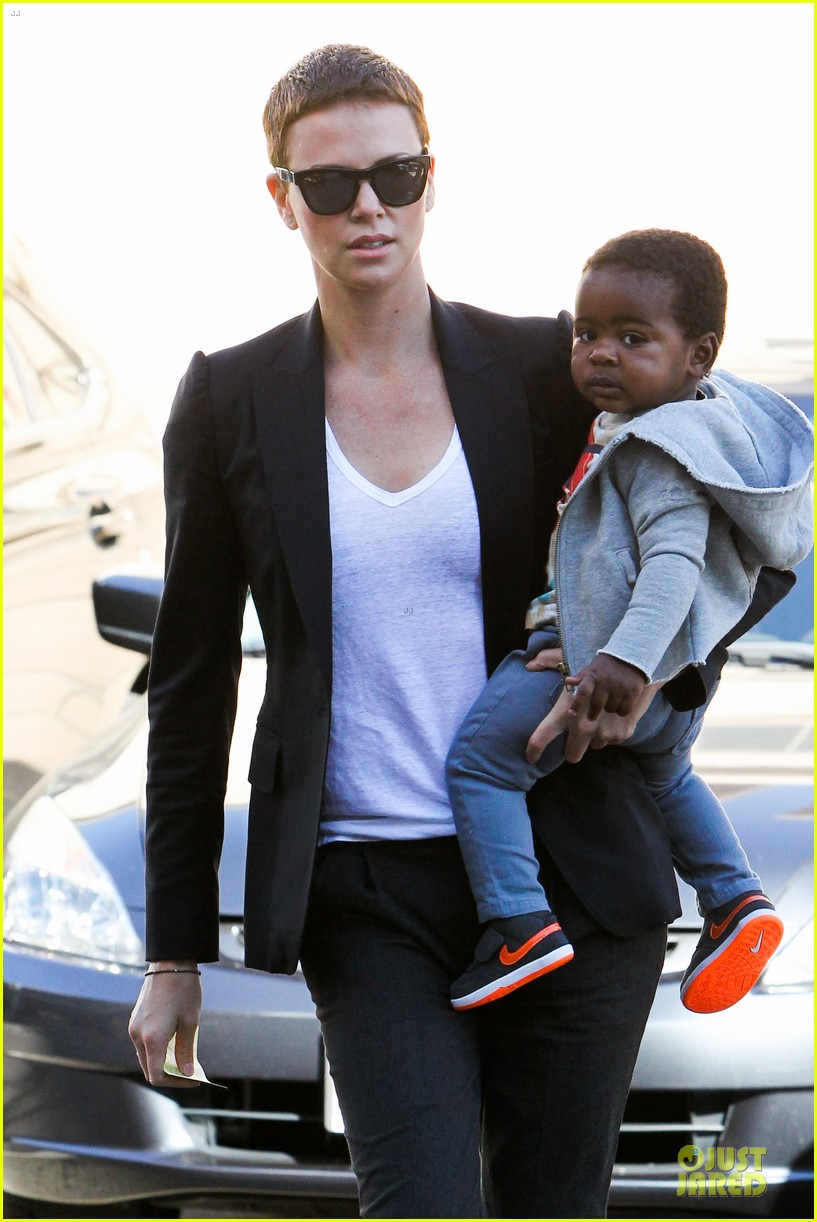 charlize theron inheret vice star 022789692