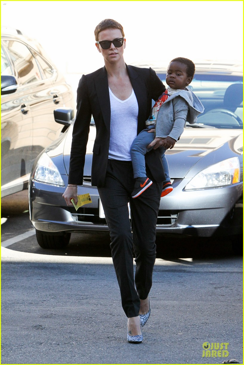 charlize theron inheret vice star 082789698