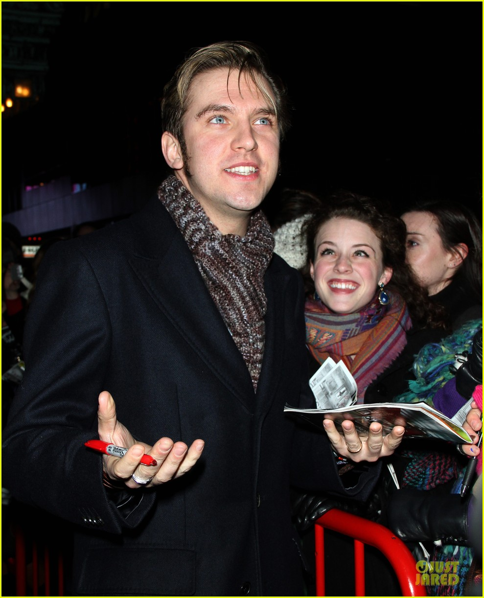 jessica chastain & dan stevens heiress autograph signing 092785949