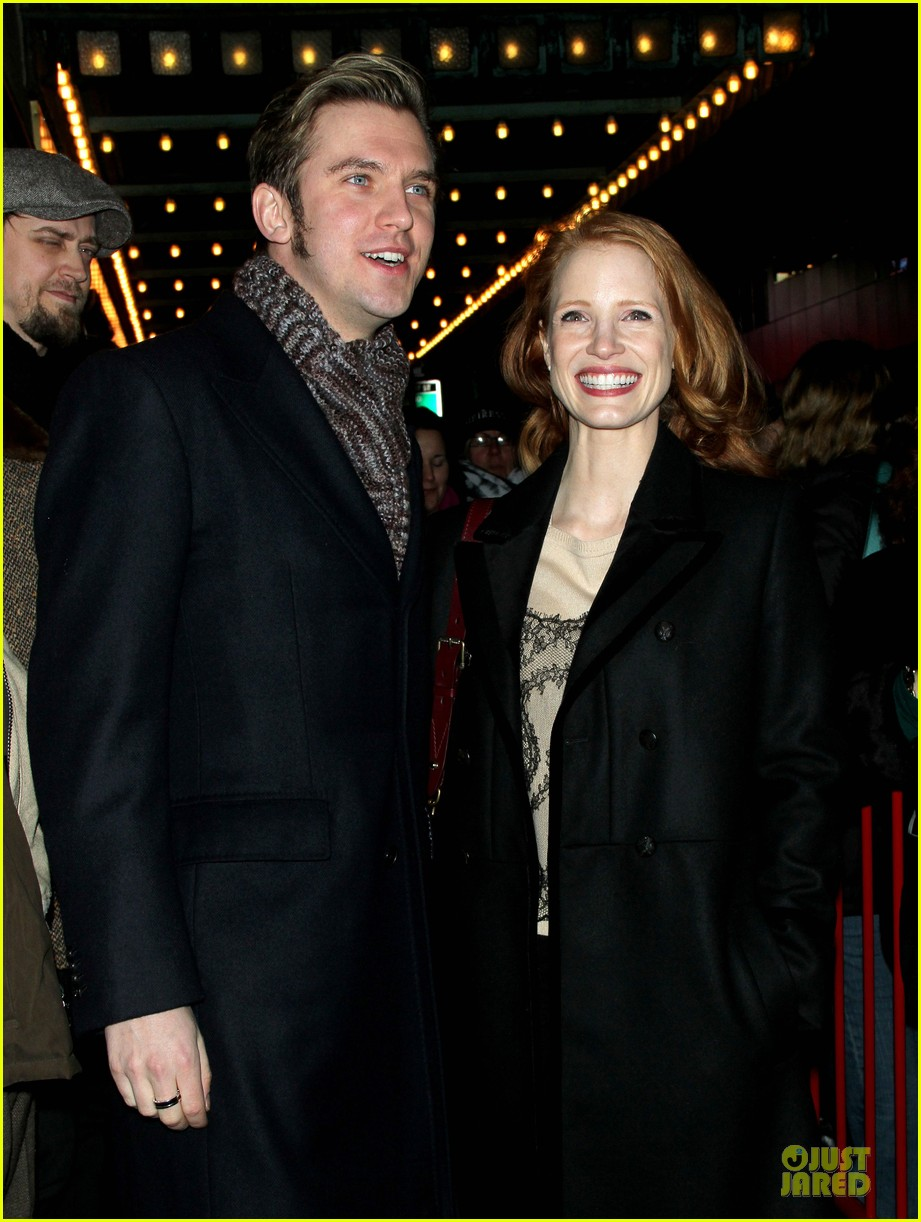 jessica chastain & dan stevens heiress autograph signing 142785954