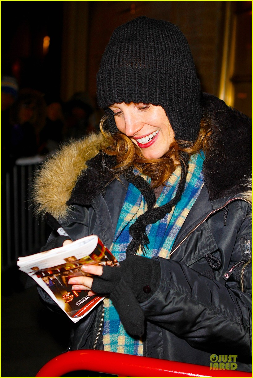 jessica chastain sign language after heiress performance 032798718