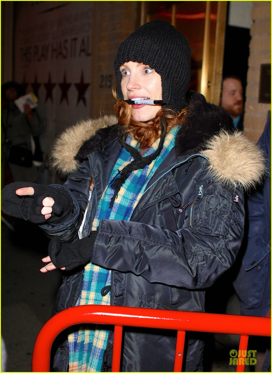 jessica chastain sign language after heiress performance 052798720