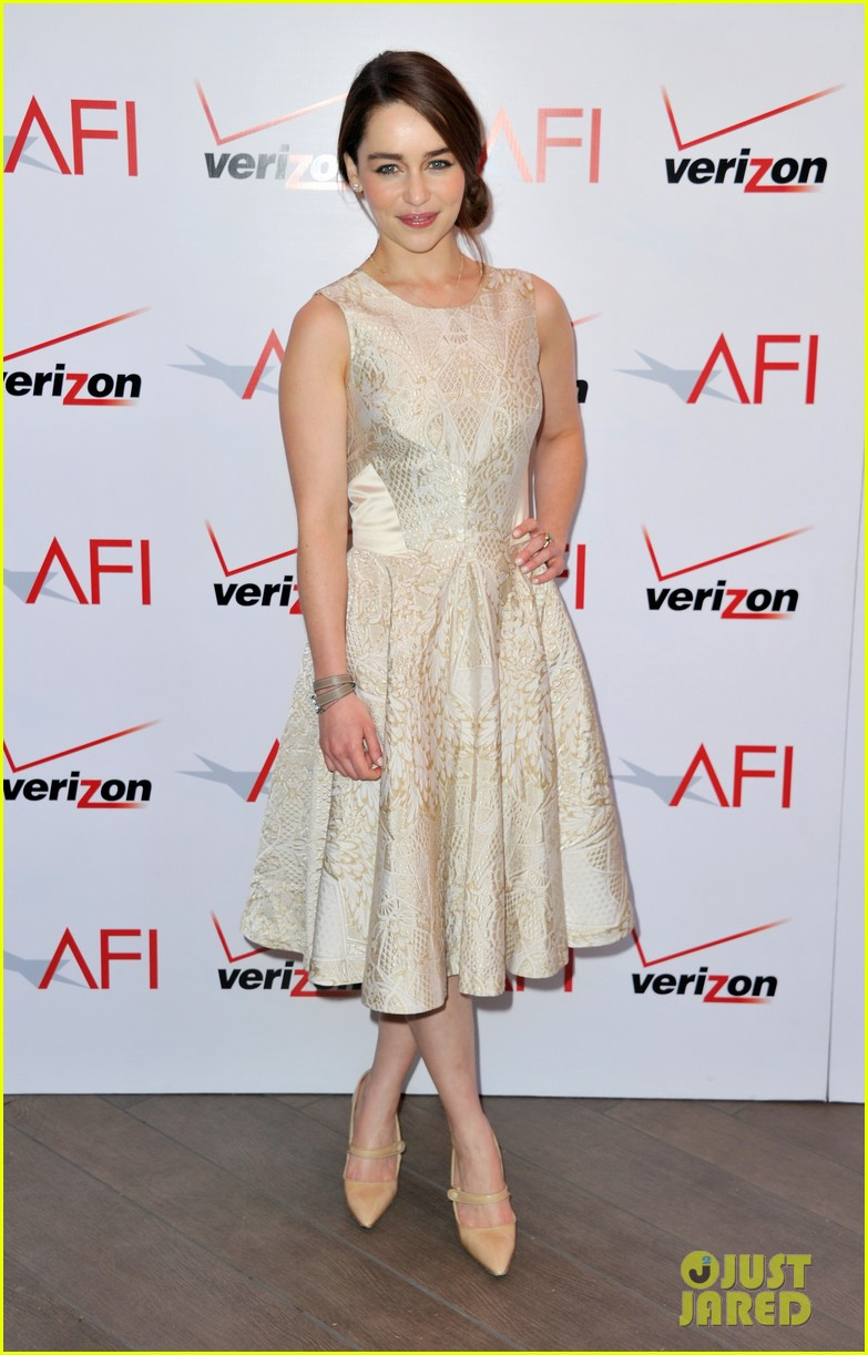 emilia clarke afi awards 2013 red carpet 012789220