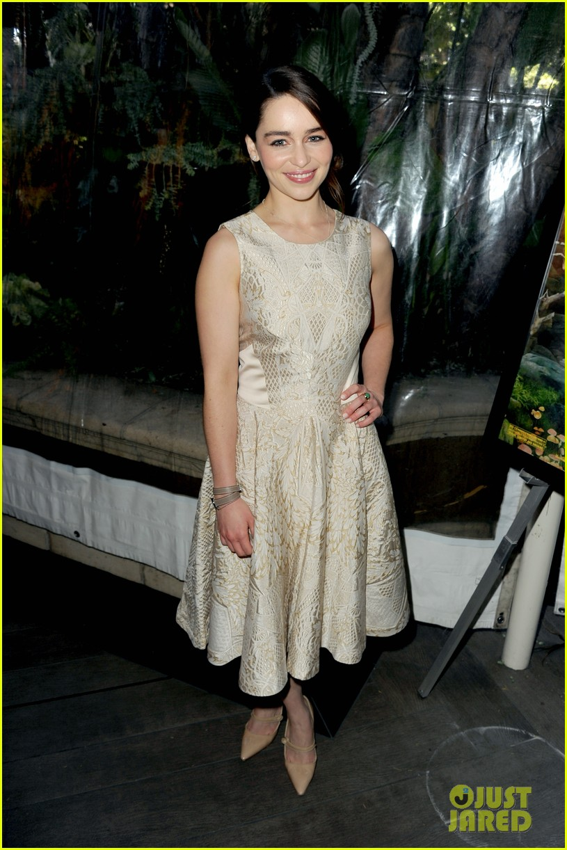 emilia clarke afi awards 2013 red carpet 08