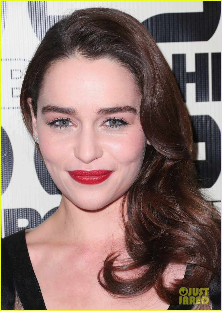 seth macfarlane emilia clarke hbo golden globes party 042792089