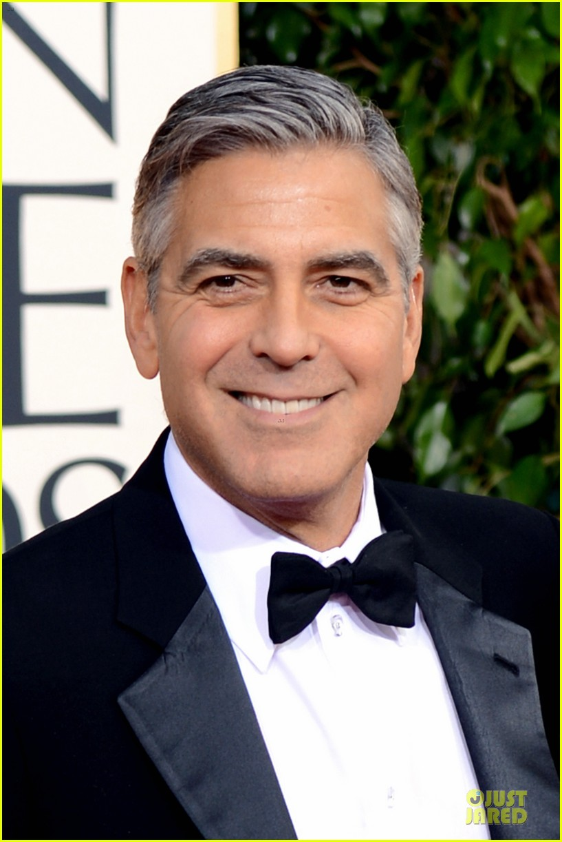 george clooney stacy keibler golden globes 2013 red carpet 022790973