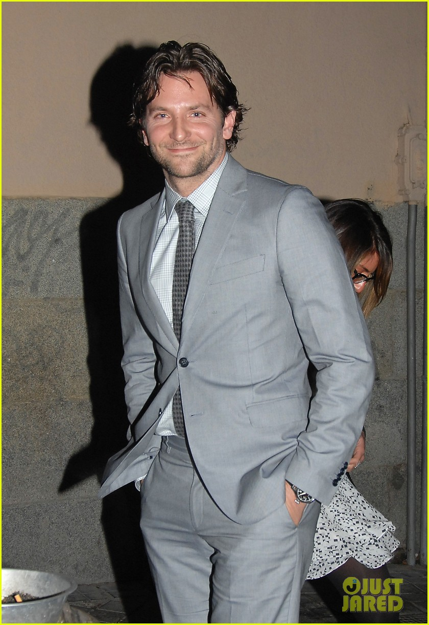bradley cooper silver linings playbook paris premiere 112793734