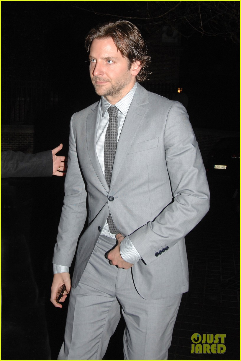 bradley cooper silver linings playbook paris premiere 132793736