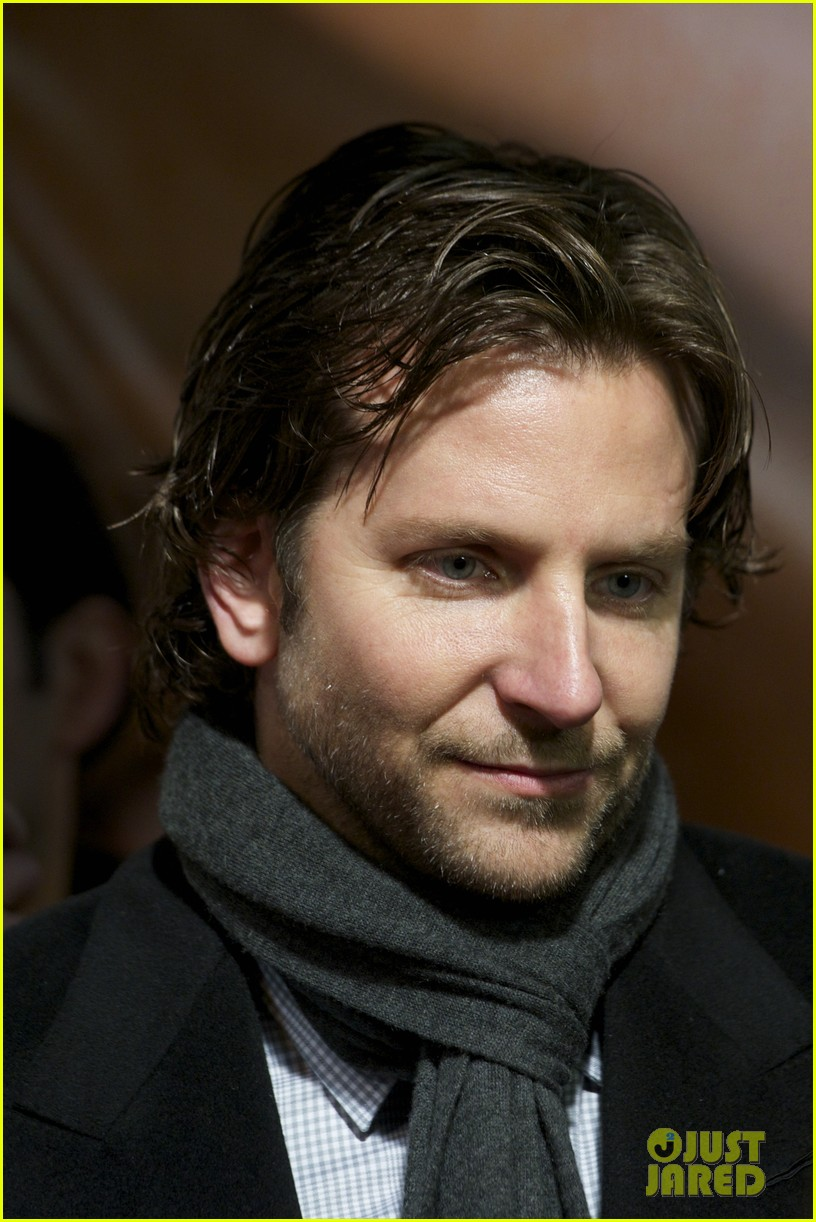 bradley cooper permed his hair for new david o russell film 042793288