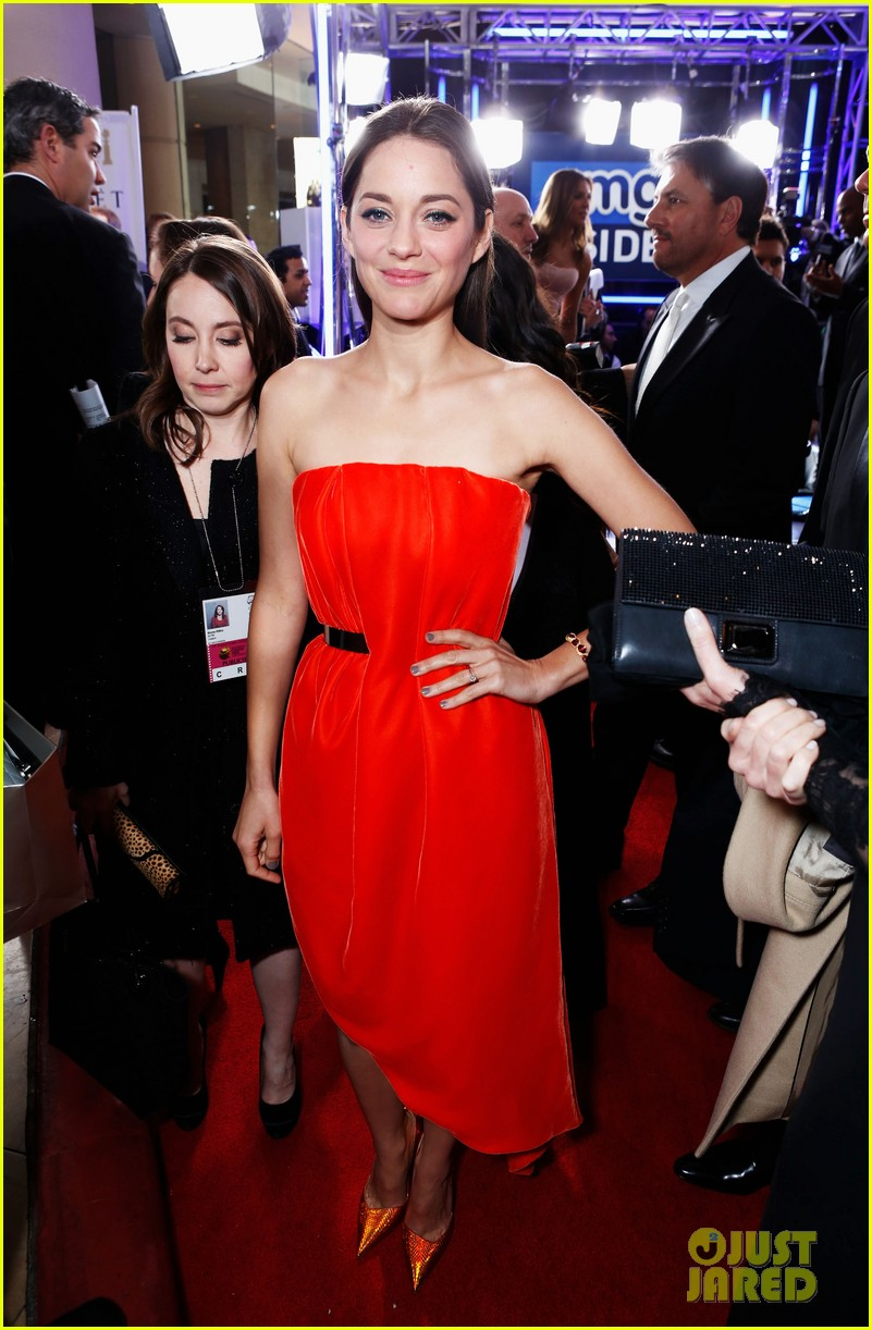 marion cotillard golden globes 2013 red carpet 032791283