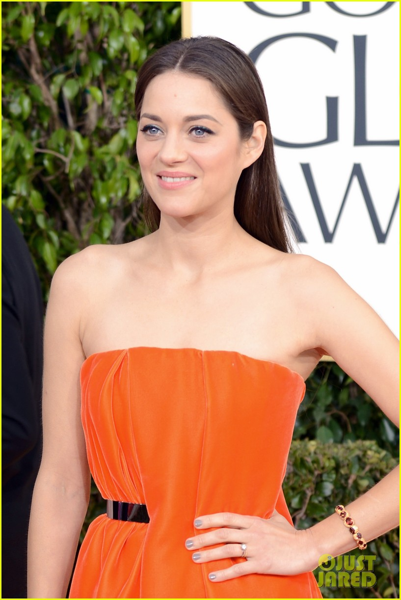 marion cotillard golden globes 2013 red carpet 042791284
