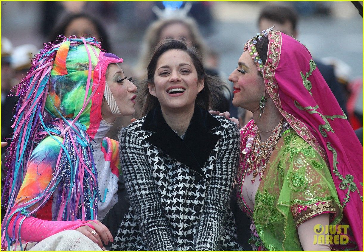 marion cotillard hasty pudding woman of the year 2013 032802156