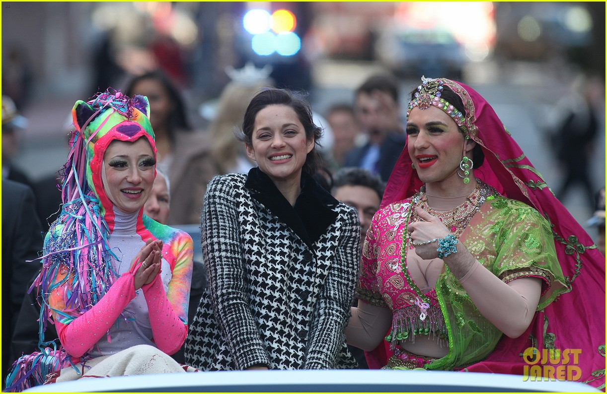 marion cotillard hasty pudding woman of the year 2013 12