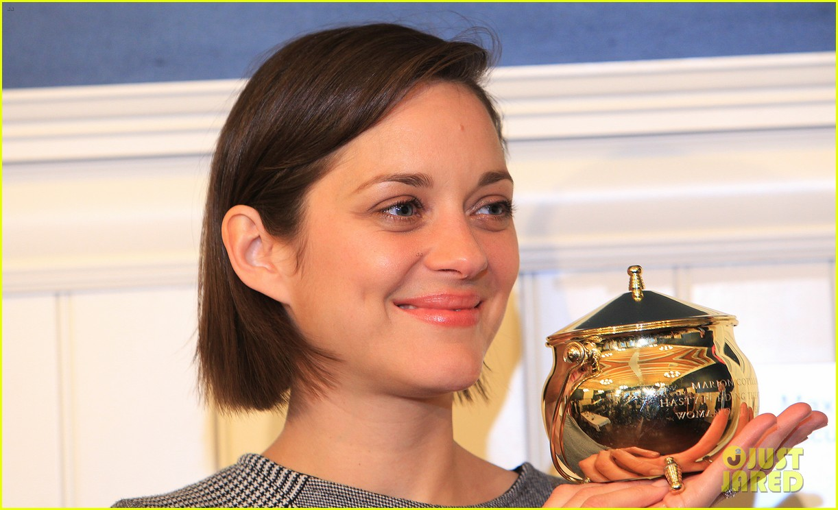 marion cotillard hasty pudding woman of the year 2013 162802169