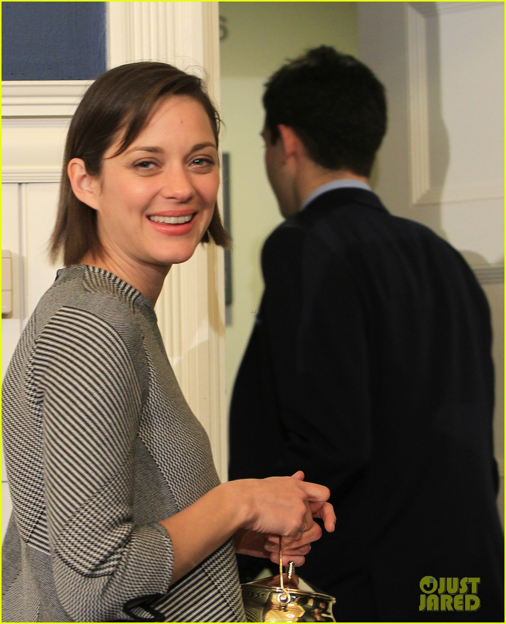 marion cotillard hasty pudding woman of the year 2013 202802173