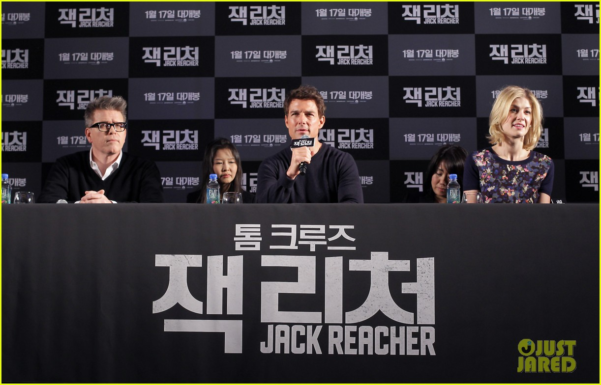 tom cruise rosamund pike jack reacher seoul photo call 062788101