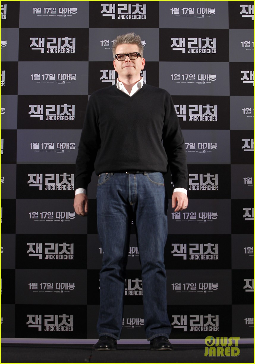 tom cruise rosamund pike jack reacher seoul photo call 102788105