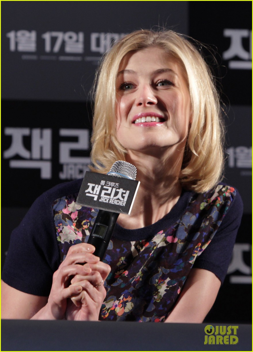 tom cruise rosamund pike jack reacher seoul photo call 132788108
