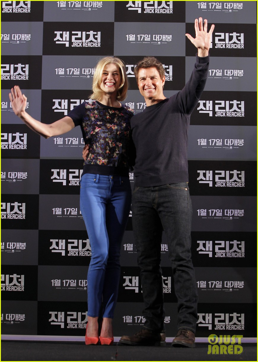 tom cruise rosamund pike jack reacher seoul photo call 172788112