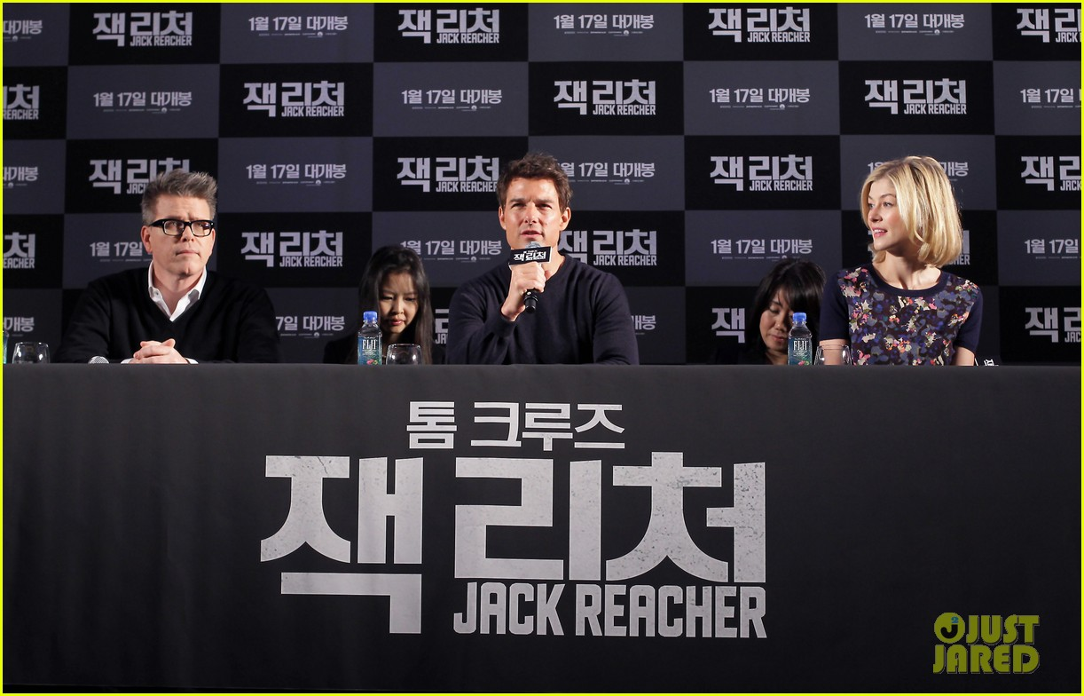 tom cruise rosamund pike jack reacher seoul photo call 182788113