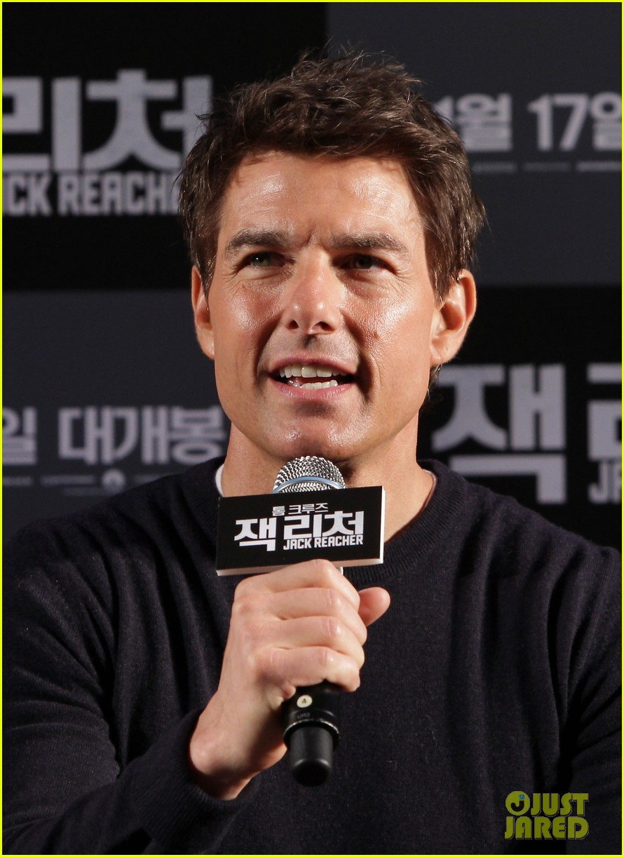 tom cruise rosamund pike jack reacher seoul photo call 202788115