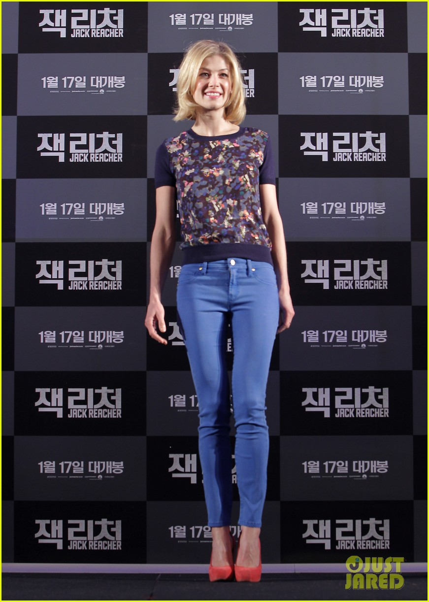 tom cruise rosamund pike jack reacher seoul photo call 222788117
