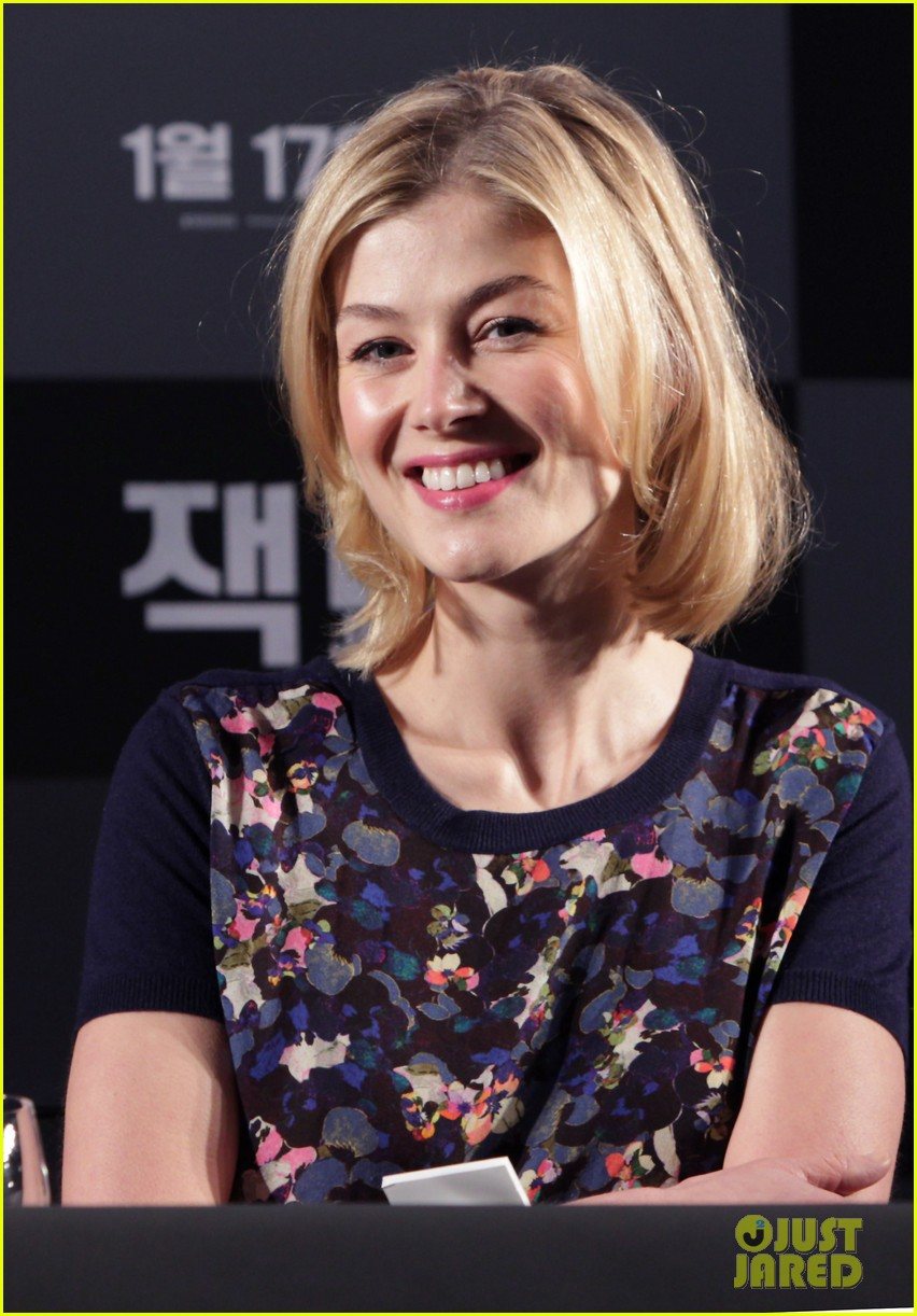 tom cruise rosamund pike jack reacher seoul photo call 262788121