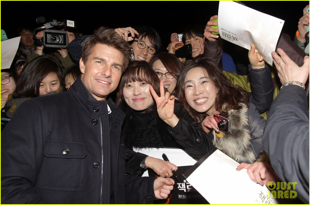 tom cruise rosamund pike jack reacher seoul screening 092788603