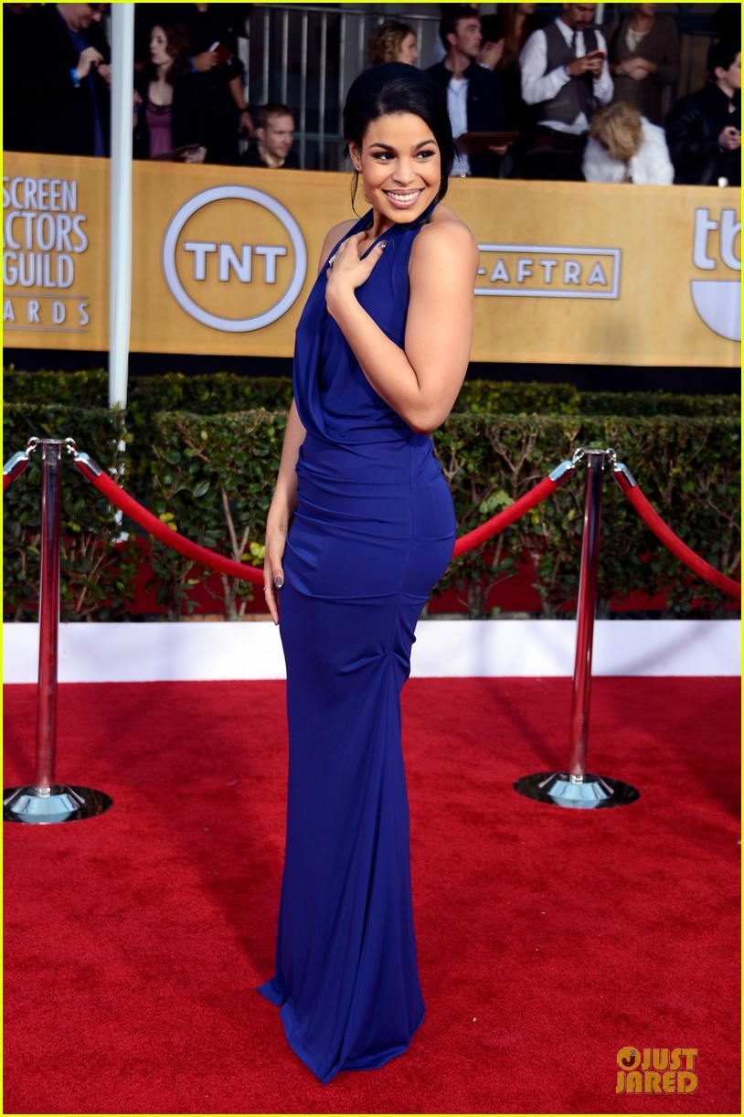 kaley cuoco jordin sparks sag awards 2013 red carpet 072799932