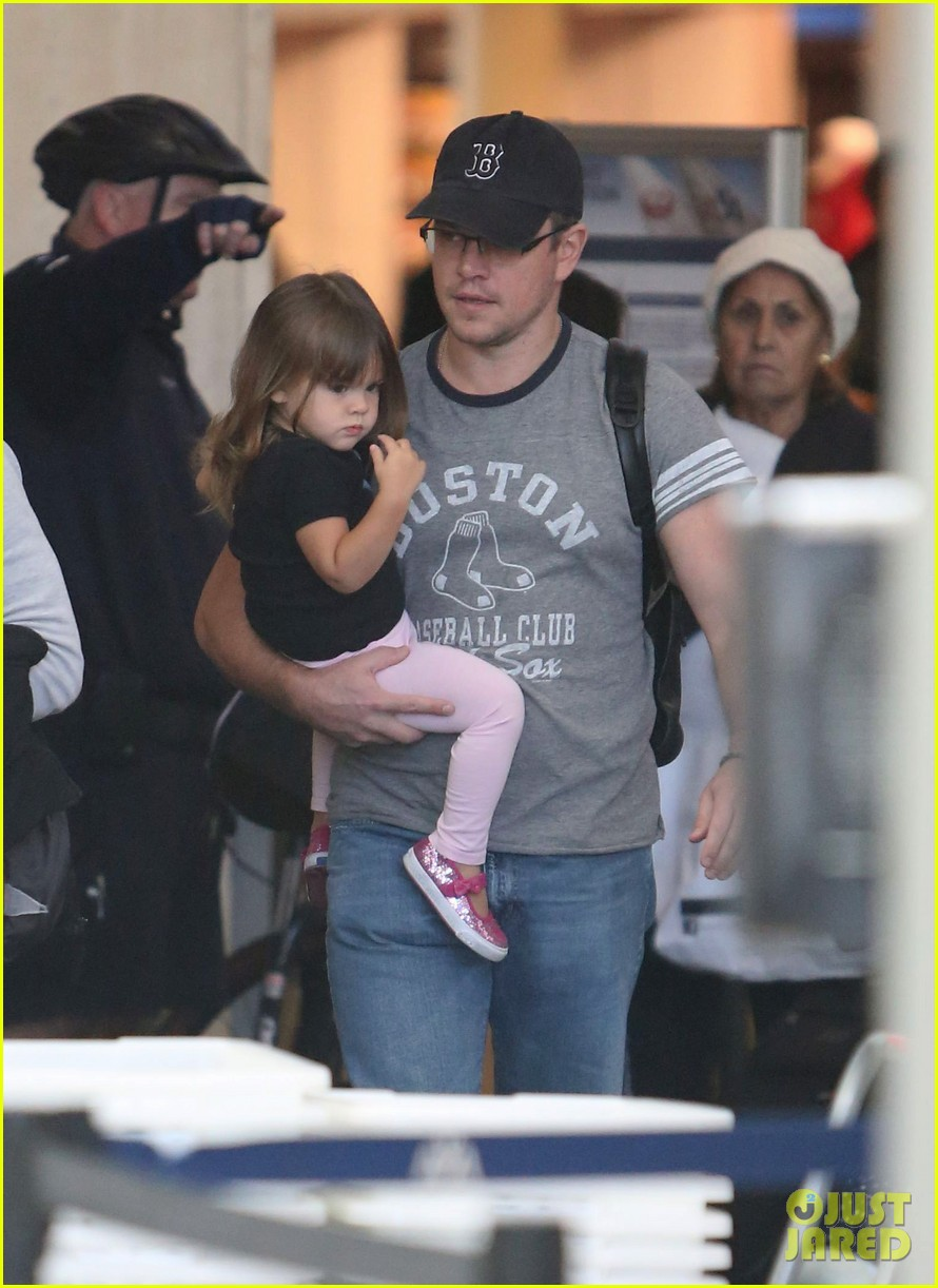 matt damon family lax arrival 022784649