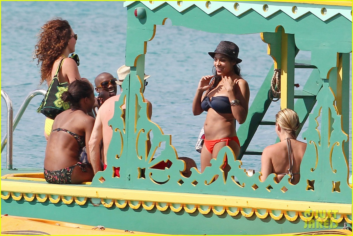 rosario dawson barbados bikini babe with shirtless danny boyle 062786257