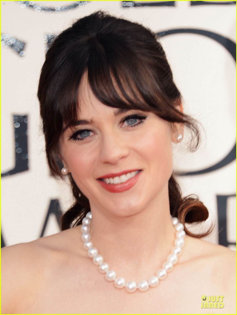 zooey deschanel golden glboes 2013 red carpet 02
