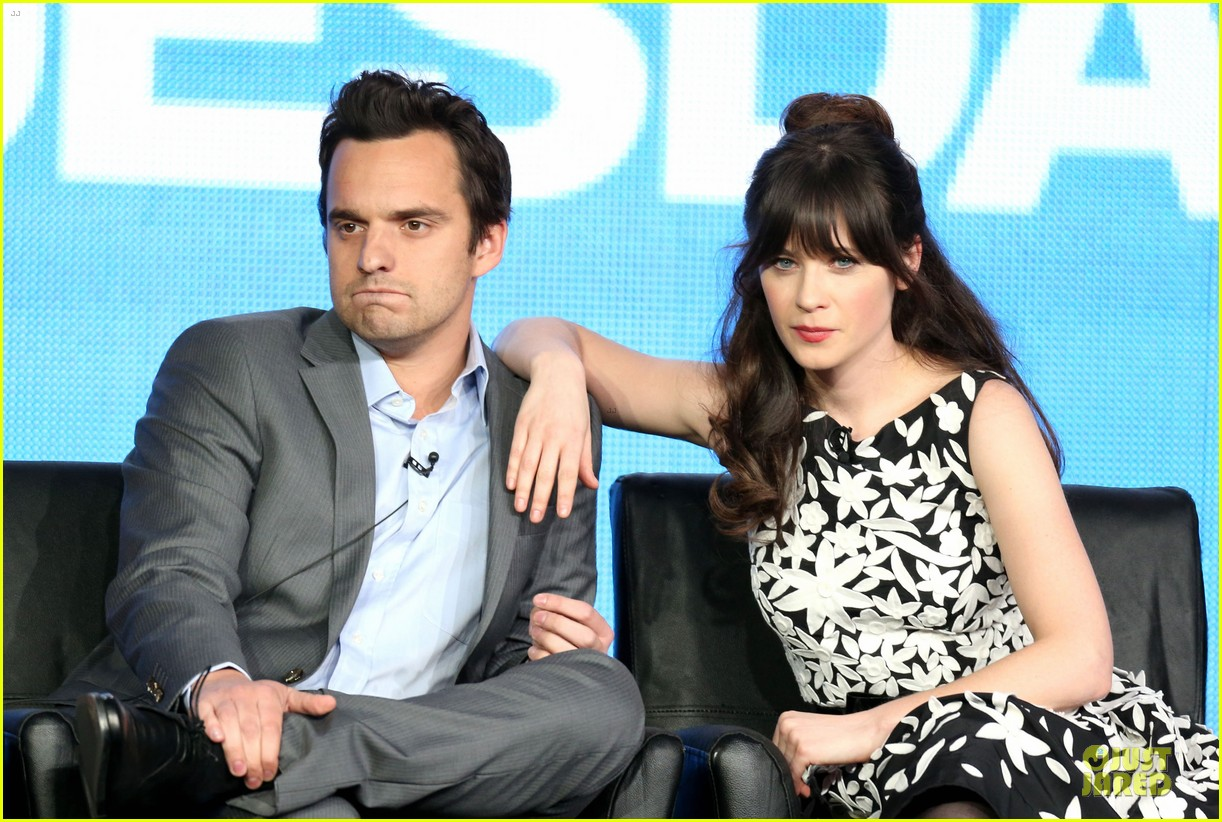 zooey deschane & mindy kaling new girl & mindy project panel 152787102