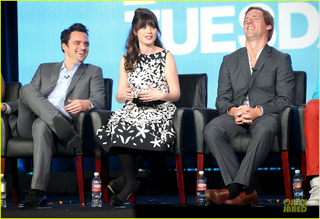 zooey deschane & mindy kaling new girl & mindy project panel 202787107