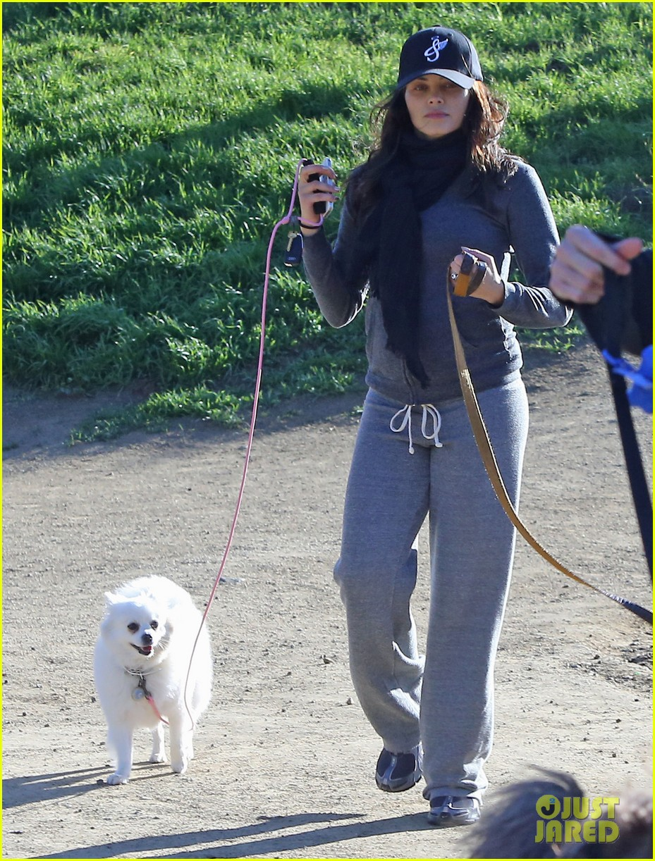 jenna dewan shows off growing baby bump on dog walk 072789752