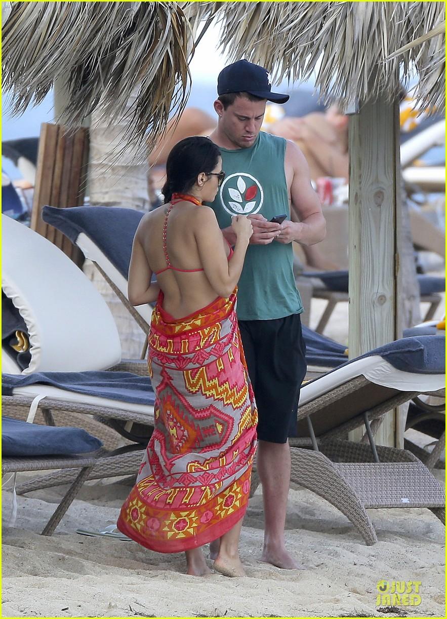 pregnant jenna dewan & channing tatum st barts kissing pair 142783244