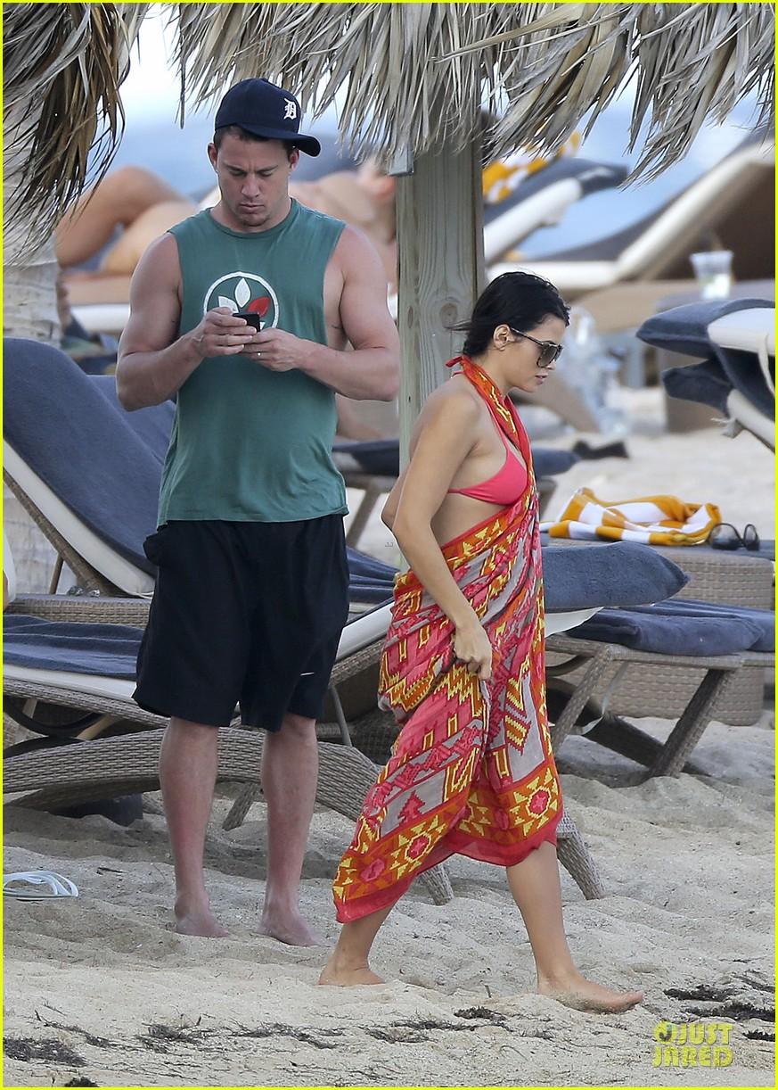 pregnant jenna dewan & channing tatum st barts kissing pair 152783245