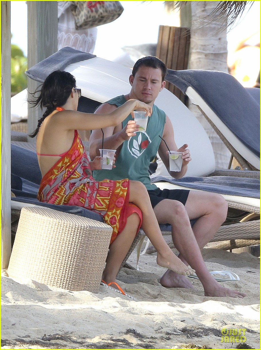 pregnant jenna dewan & channing tatum st barts kissing pair 32