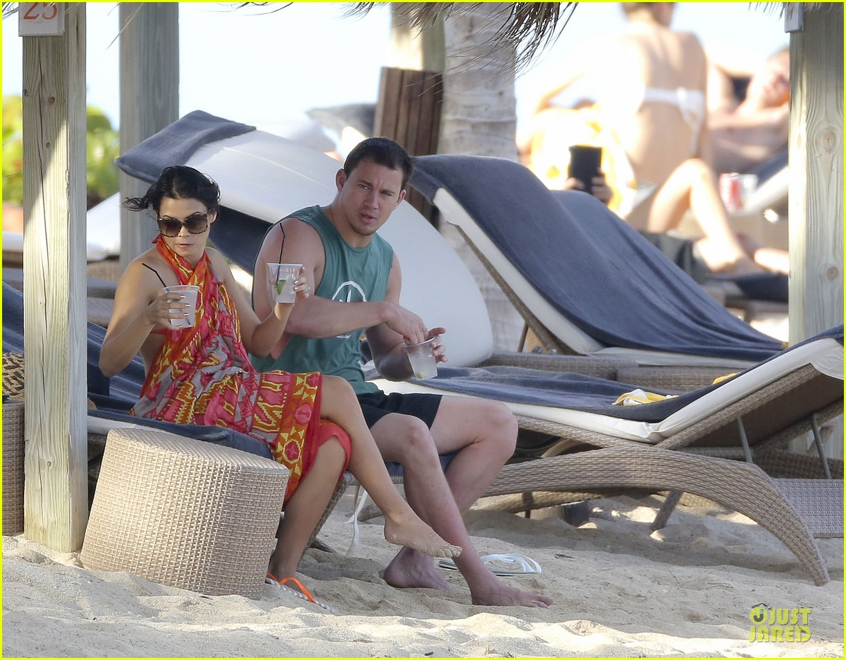 pregnant jenna dewan & channing tatum st barts kissing pair 34