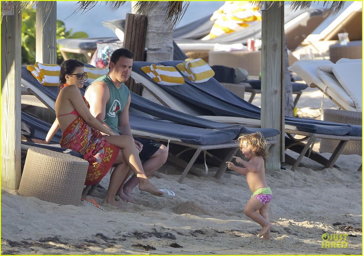 pregnant jenna dewan & channing tatum st barts kissing pair 372783267