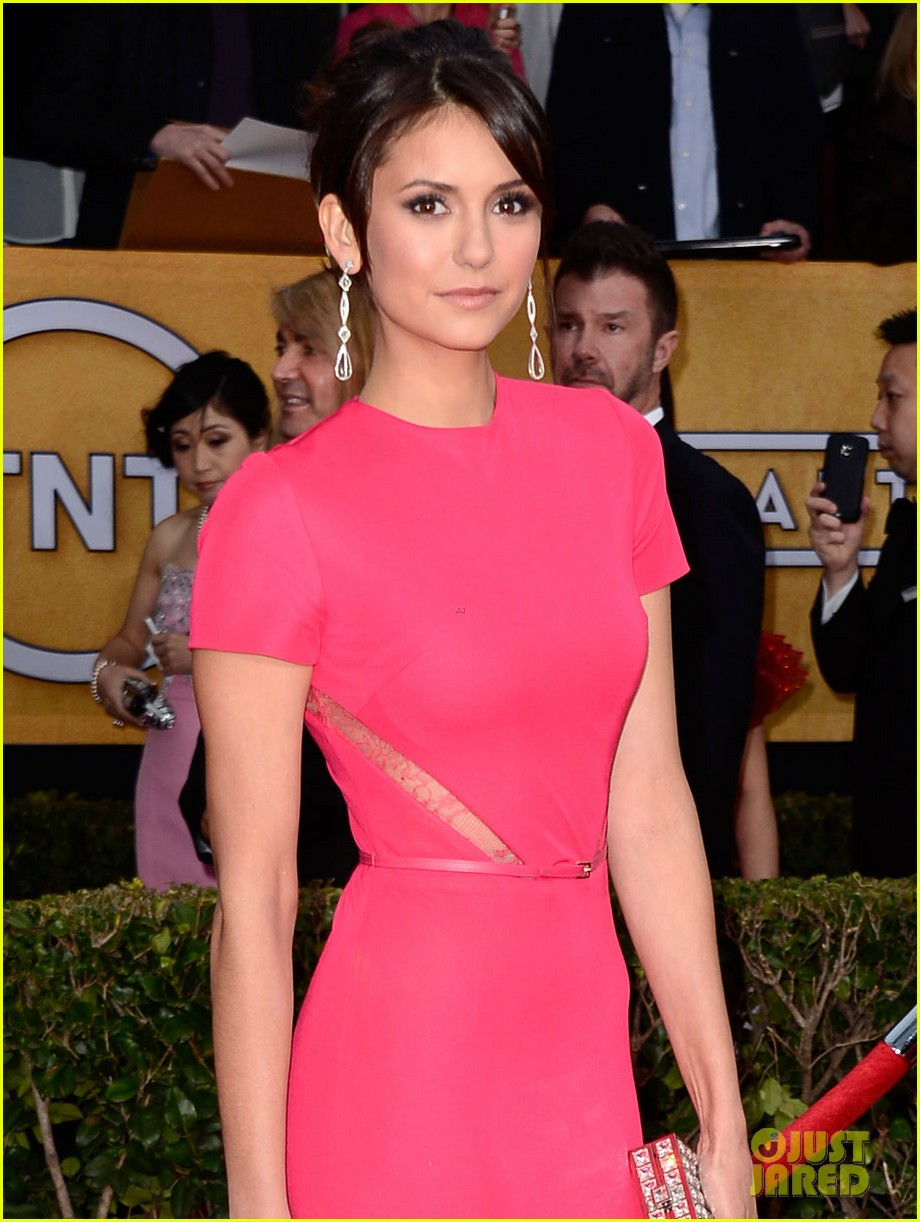 nina dobrev sag awards carpet 052799801