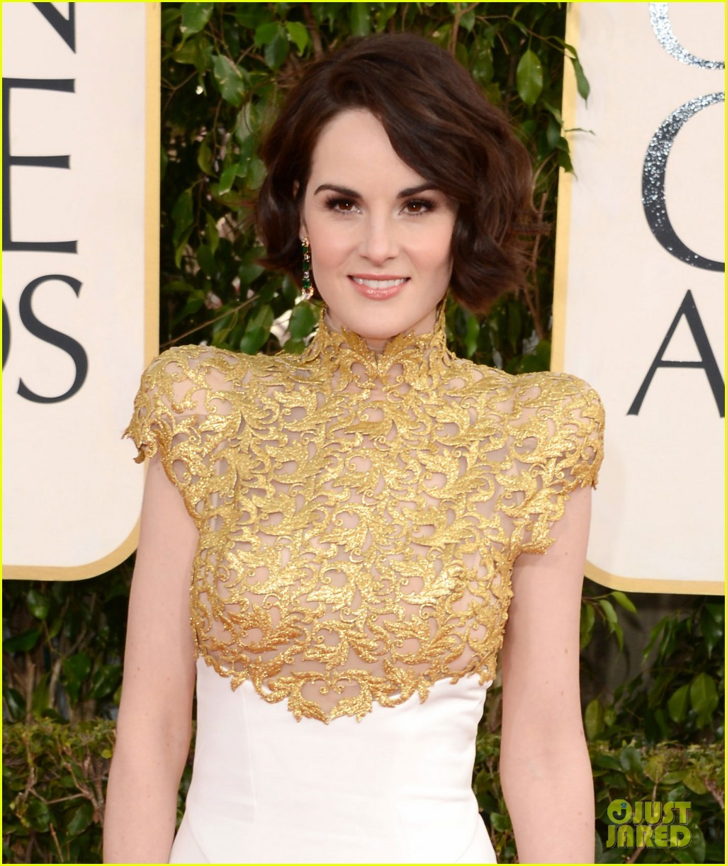 michelle dockery golden globes 2013 red carpet 05
