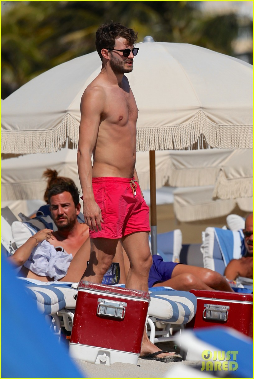 once upon time jamie dornan shirtless in miami 022800249